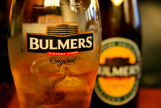 bulmers-with-ice-summer-drink